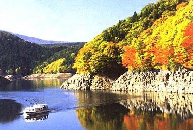 紅葉の太平湖
